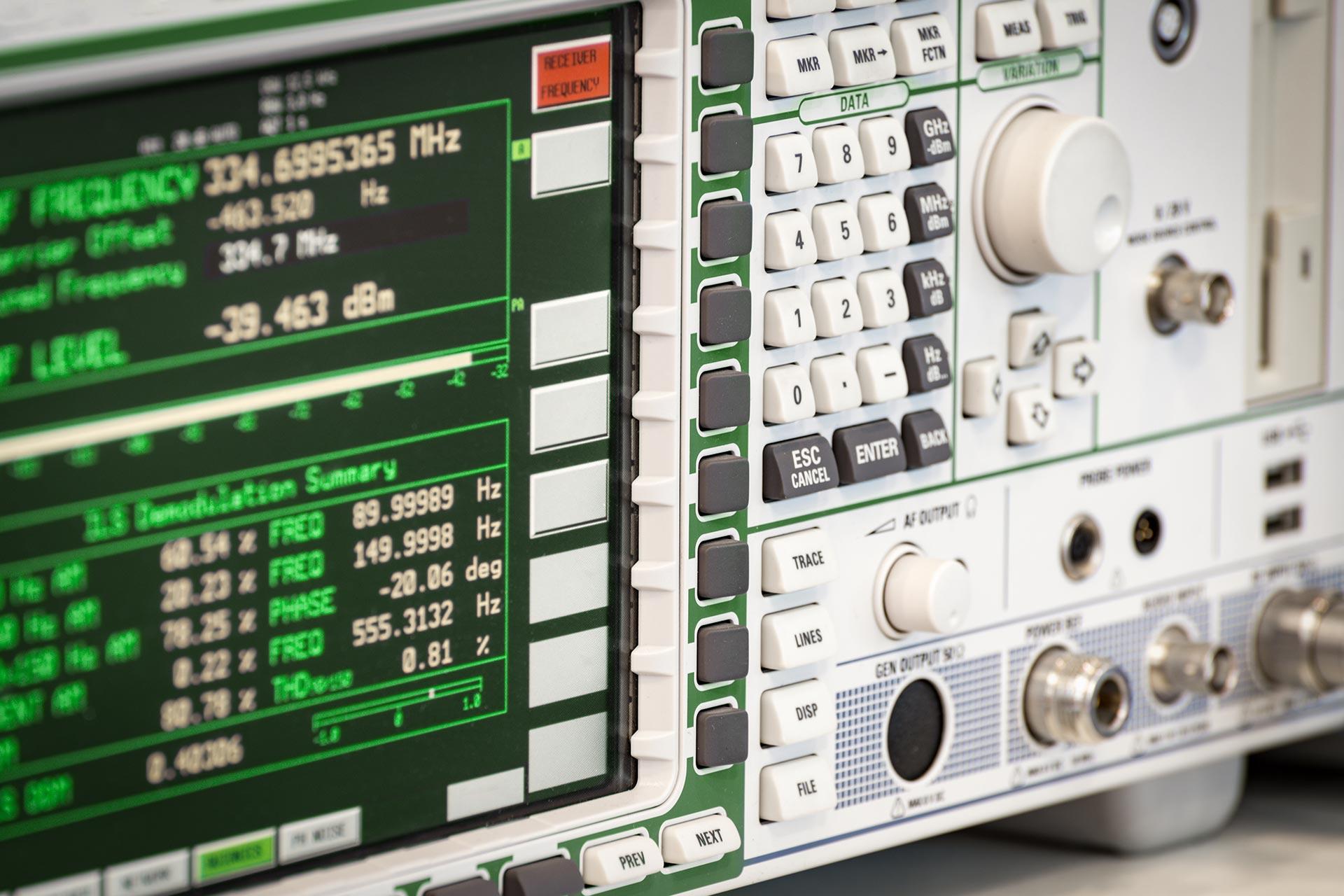 Prüfungen nach DGUV Vorschrift 3 Pflicht für ortsfeste elektrotechnische Anlagen